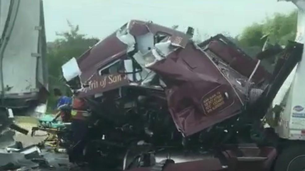 La noticia #4 de las noticias principales de 2019 de Valley Central: el accidente mortal de seis vehículos en Falfurrias