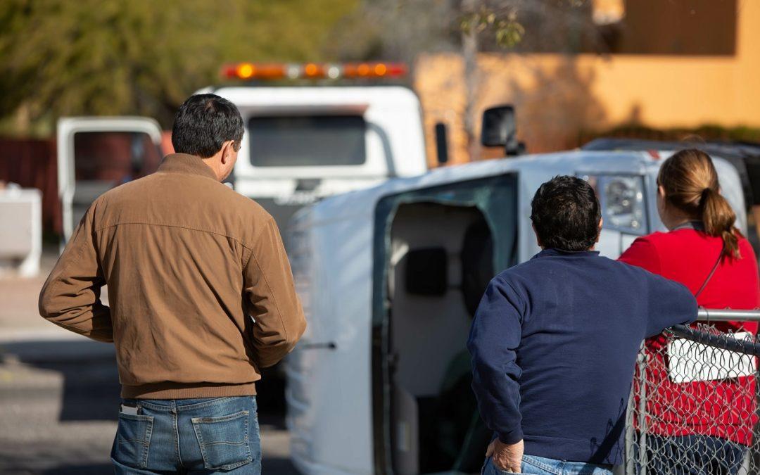 Camión de Bomberos de Pedernales Involucrado en Accidente de Volcadura
