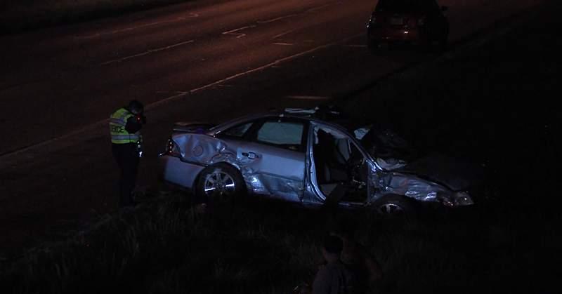 Accidente por vuelco en San Antonio lleva a familia de cuatro a ser hospitalizada