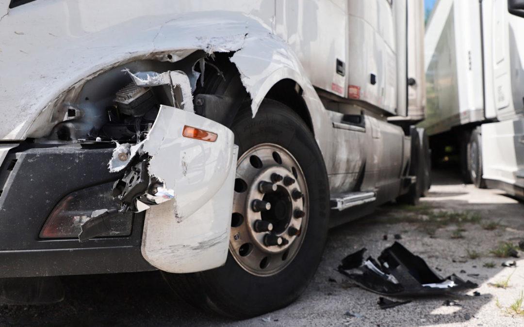 Accidente de 3 Vehículos en Austin deja a 2 Hospitalizados con Heridas
